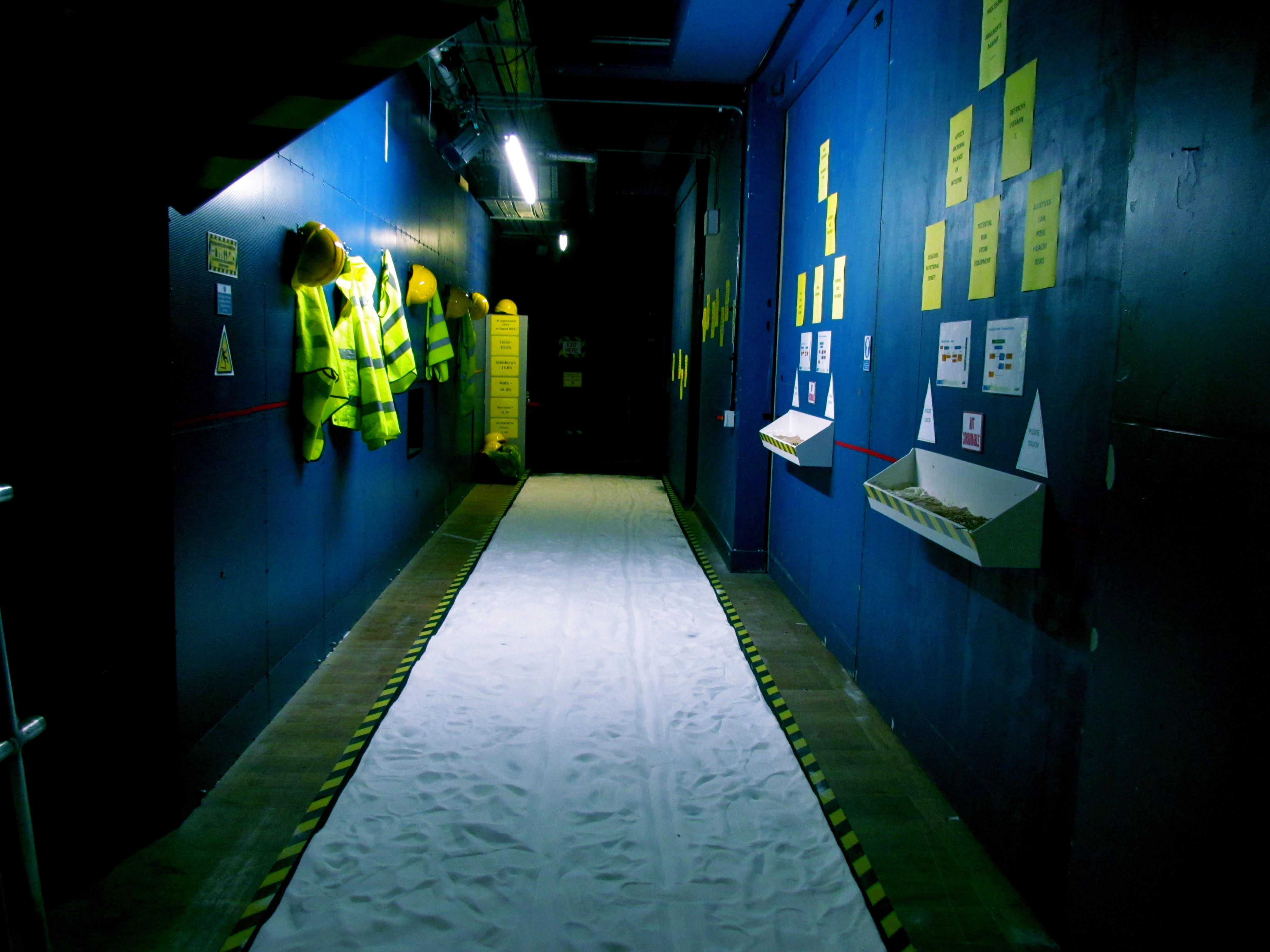 Salt floor corridor installation